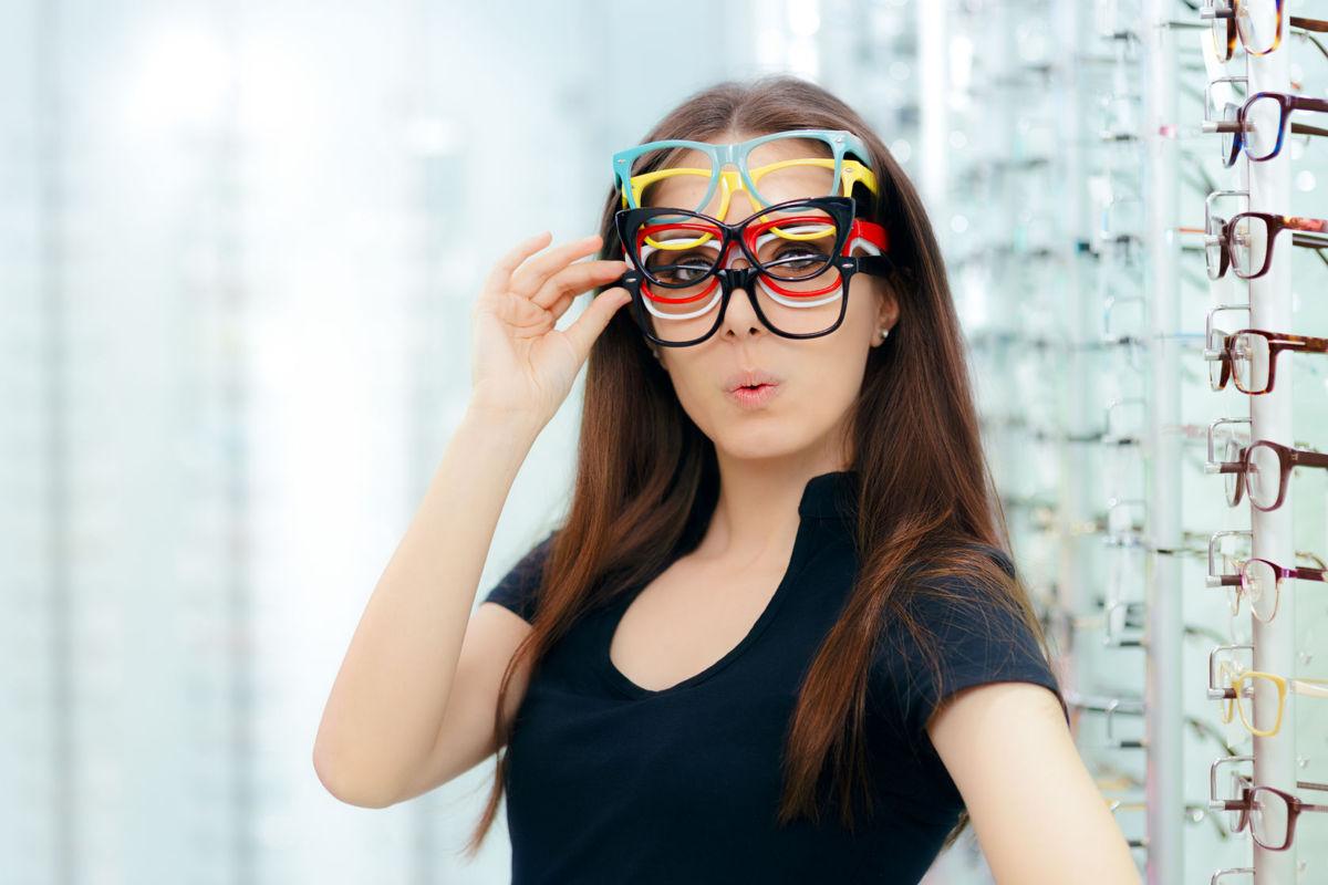 sosiri noi listă nouă cea mai bună vânzare Ochelari versus lentile de contact
